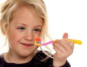 Детские зубные пасты и щеточки